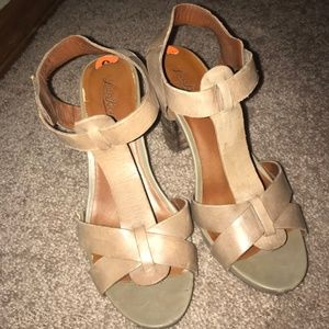 Lucky Brand healed sandals